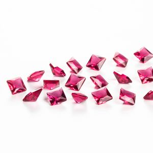 zirconia-carre-5mm-fuchsia