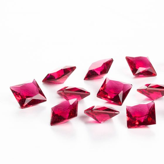 zirconia-carre-8mm-fuchsia