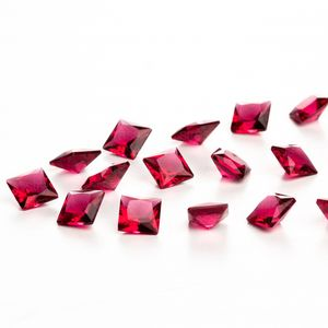 zirconia-carre-6mm-fuschsia