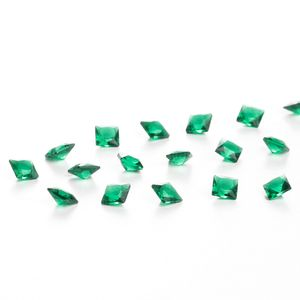 zirconia-carre-4mm-emerald