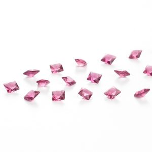 zirconia-carre-4mm-fuchsia